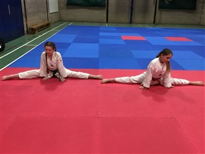 our members doing the splits